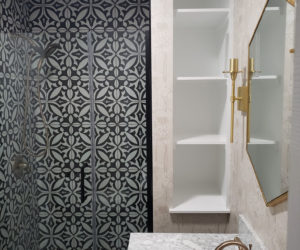 bathroom-black-white-pattern-tile